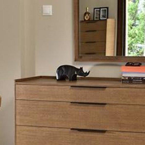 Molly bedroom set